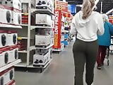 Jiggly ass walking in Walmart